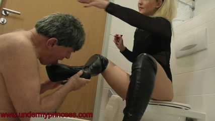 Lisa spit and shoe worship