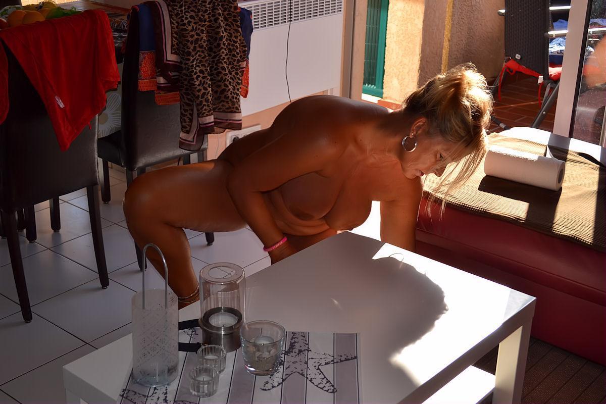 Nackte Hausarbeit
