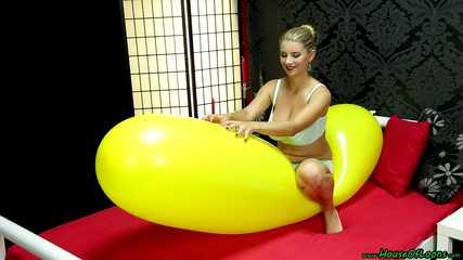 big natural tits ride and bouncing fun yellow GL700 [NonPop]