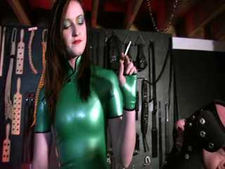 Mistress Vivienne l'Amour - Puppy Ashtray HD Film