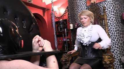 Mistress Erika - Bondage Ball Busting (HD wmv)