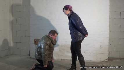 Ella - Down jacket trampling