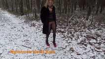 Outdoor Flashing in Pantyhose 9