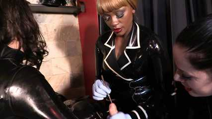 Lady Bellatrix, Mistress Tiffany, Mistress Ava - Massive Orgasm (HD wmv)