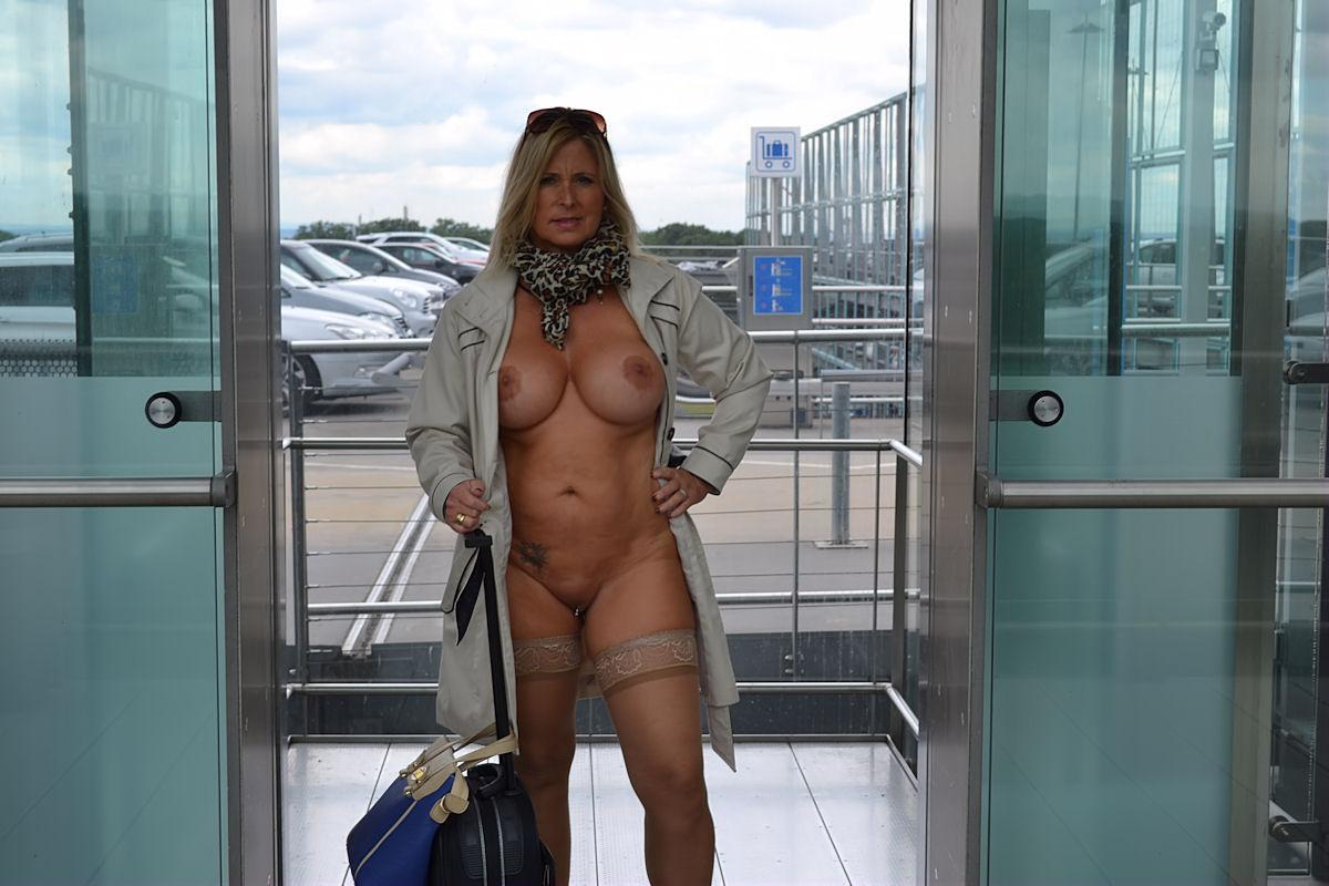 With bslls nude in airport images starr