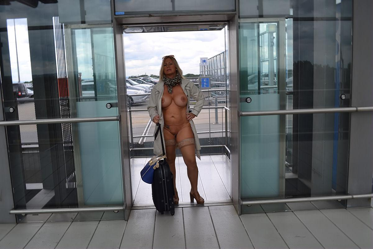 Nudechrissy Videogallery Store  Just Nude To The Airport-5247