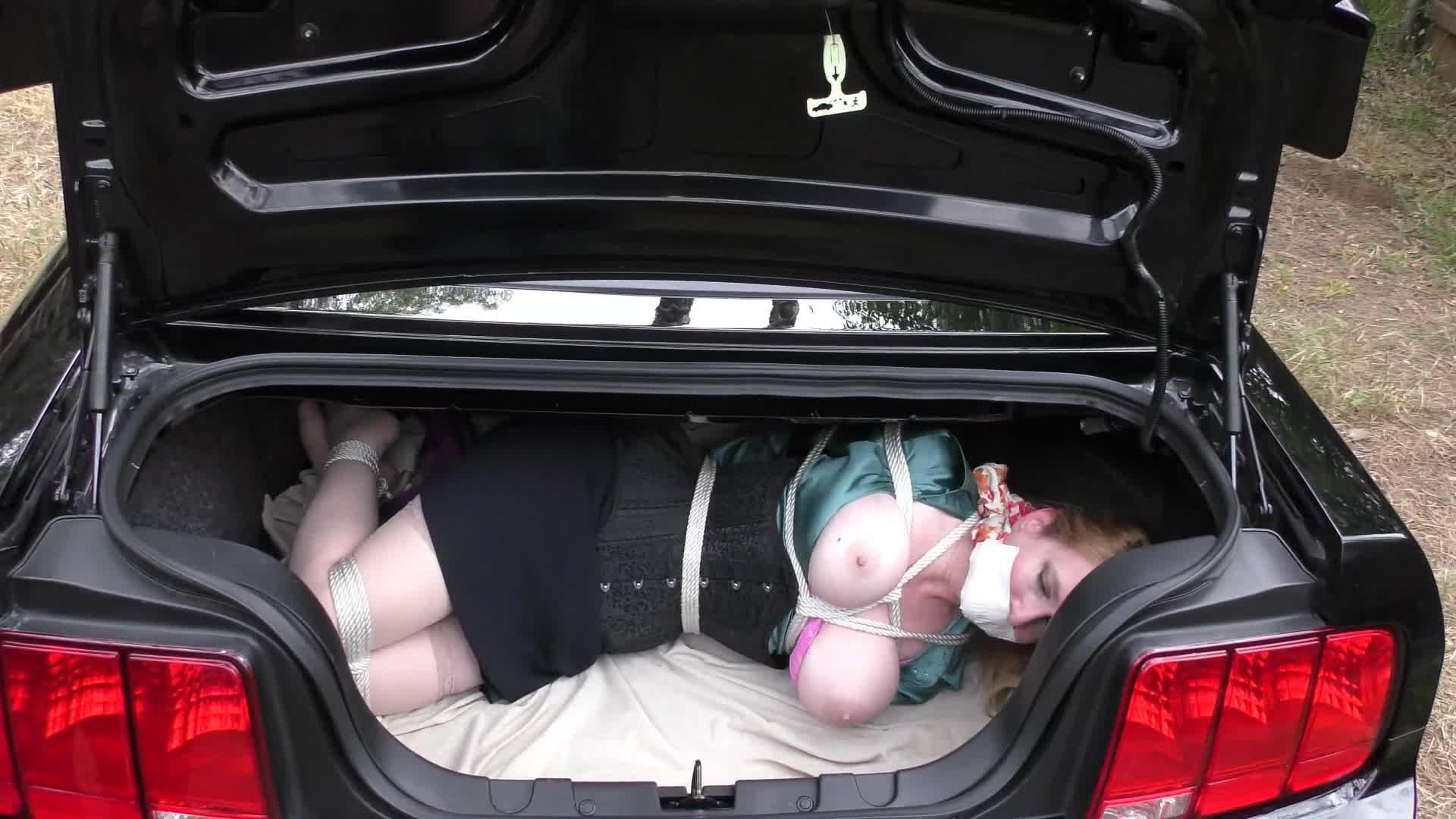Отношениях куколд связанная в багажнике порно шефу