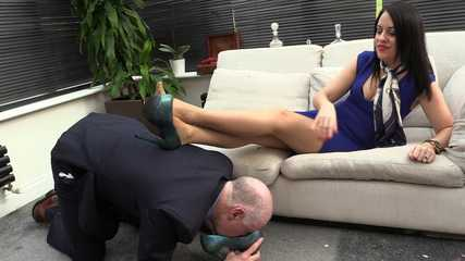 Lady Bellatrix  Subby Hubby - Dirty Shoe Worship (HD wmv)
