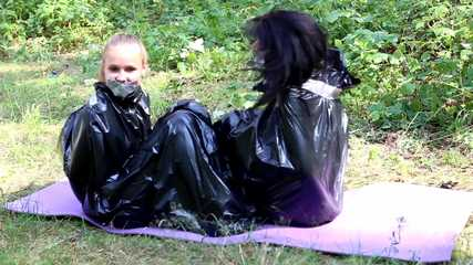 Dana & La Pulya - Dana Meditation unterbrochen video 03