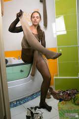Wet pantyhose encasement (222 images)