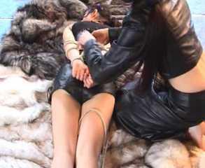 ab-106 Fur Girl (4)