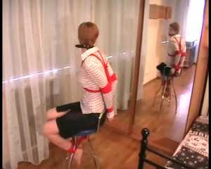 Alice Lee – Bondage fun on the chair in front of the mirror (video)