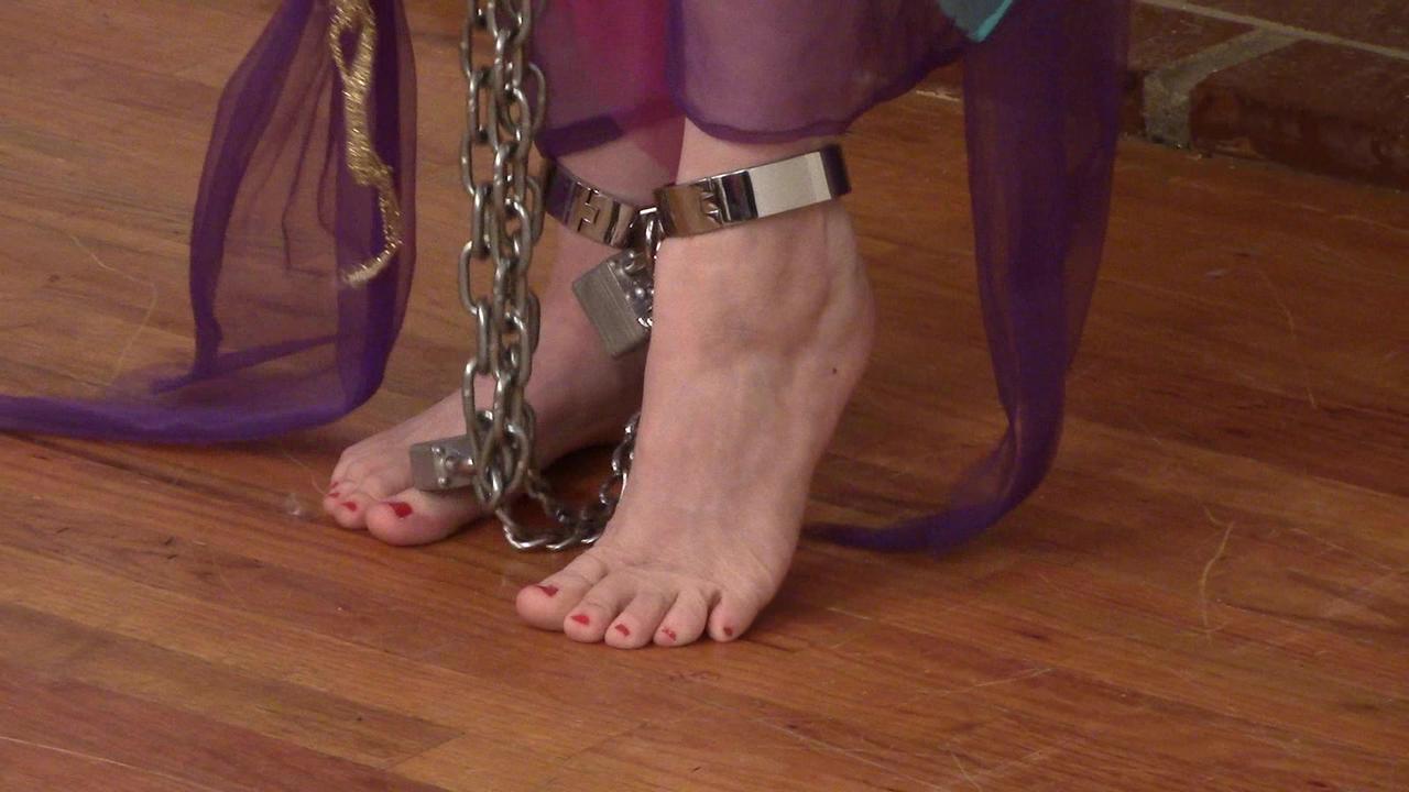 только самые в рабстве у босых ножек ашот