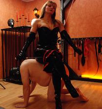 Dominatrix Baroness Devill